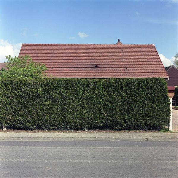 maison-lotissement-beton-vert-02
