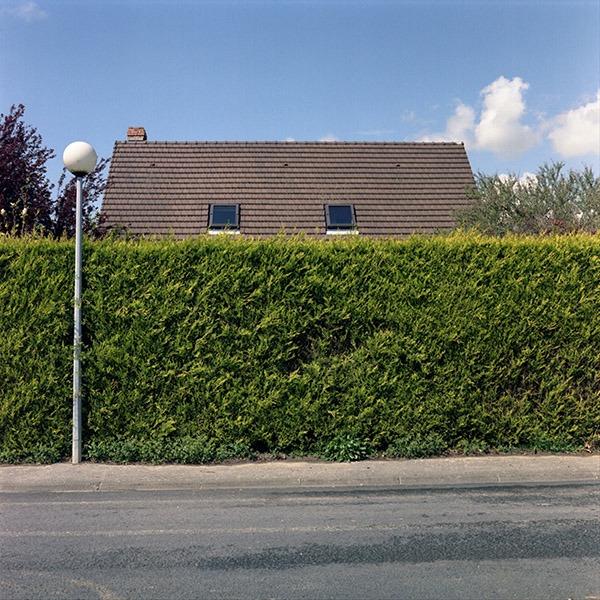 maison-lotissement-beton-vert-03