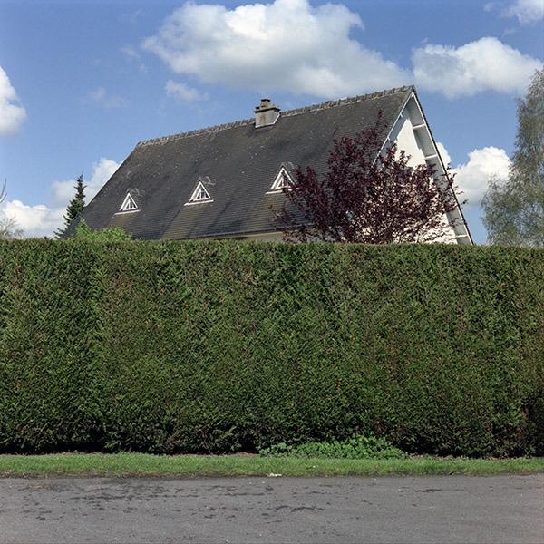 maison-lotissement-beton-vert-07