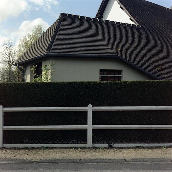 maison-lotissement-beton-vert-10