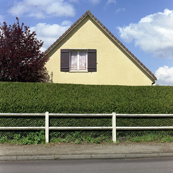 maison-lotissement-beton-vert-11