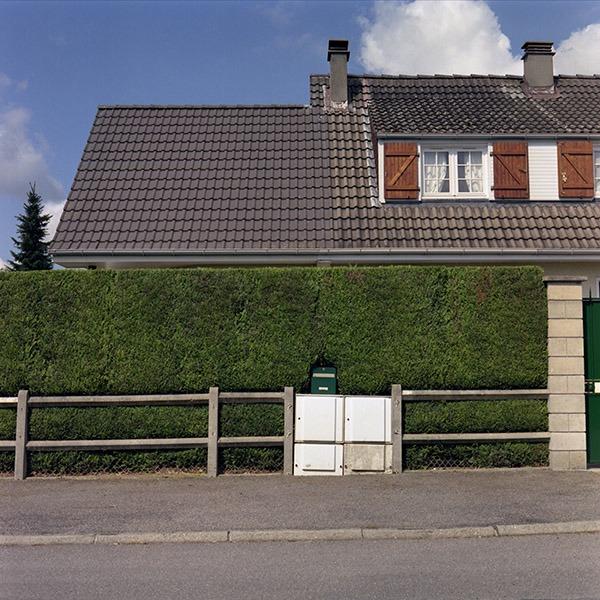 maison-lotissement-beton-vert-36