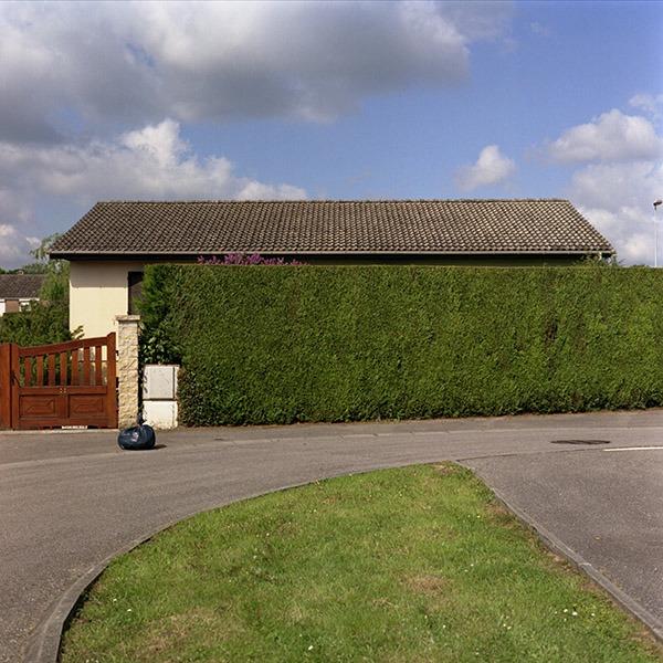 maison-lotissement-beton-vert-37