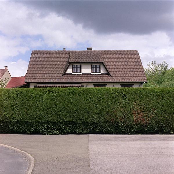 maison-lotissement-beton-vert-43