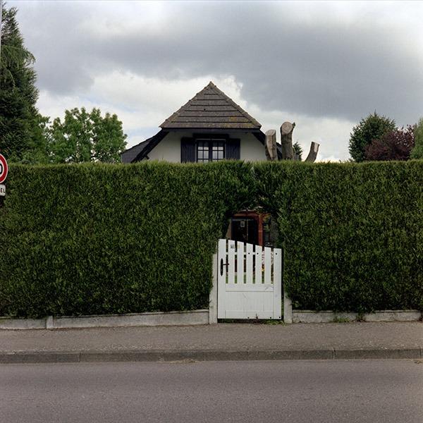 maison-lotissement-beton-vert-45