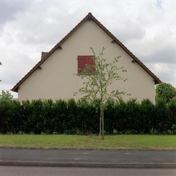 maison-lotissement-beton-vert-46