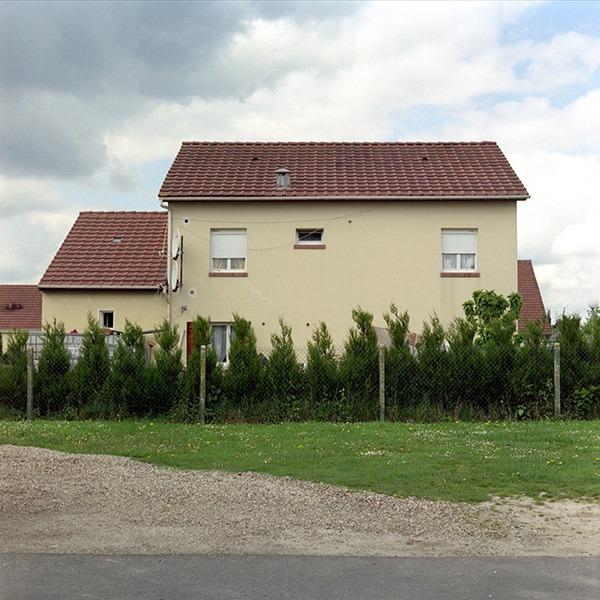 maison-lotissement-beton-vert-48