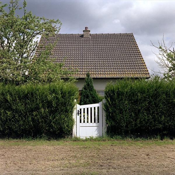 maison-lotissement-beton-vert-49