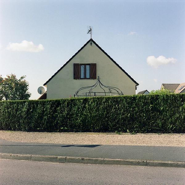 maison-lotissement-beton-vert-55