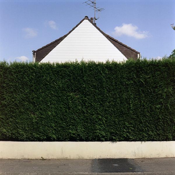 maison-lotissement-beton-vert-56
